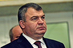 Сердюков и Васильева предпочли молчать