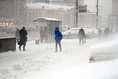 Россию накрыл затяжной снегопад