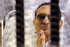 Мубарака оставили под стражей