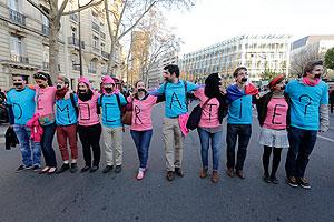 Франция одобрила закон об однополых браках