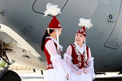"""Киргизия выгоняет США с базы """"Манас"""""""