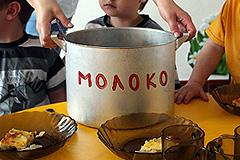 Сотрудники лагеря воровали еду у сирот