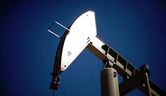 Цены на нефть начнут падать в августе