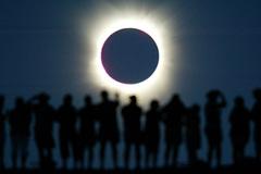 5 самых красивых солнечных затмений