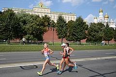 Легкоатлеты делят первые медали