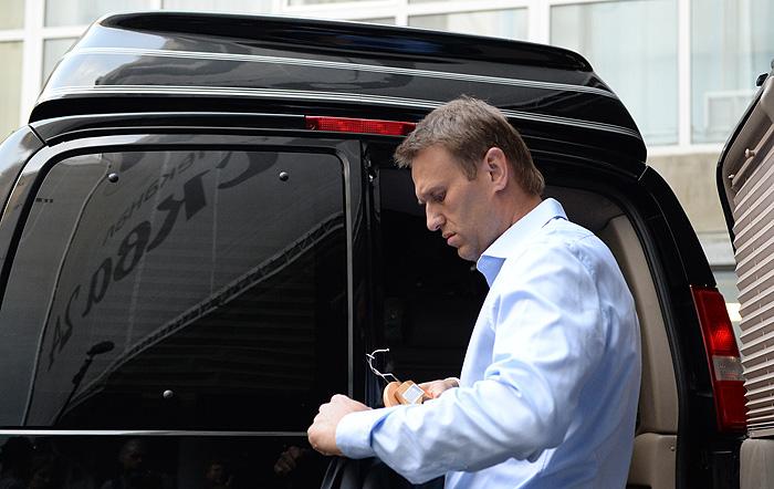 Навального не поддерживают и обвиняют в клевете
