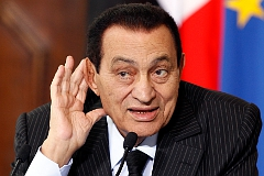 Мубарака отправили в больницу