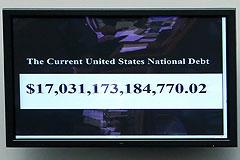 Расплата по госдолгу ввергнет США в кризис
