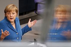 АНБ могло прослушивать телефон Меркель