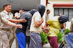 Суд в Индии приговорил насильников к смерти