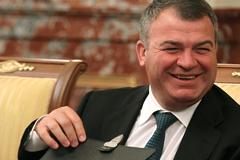 Сердюков недостроил на 318 млрд рублей