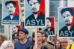 Сноудена могут допросить в России
