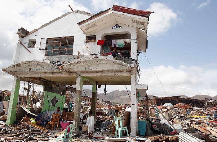 Филиппины приходят в себя после тайфуна