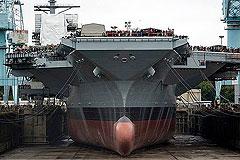 В США спущен на воду авианосец нового класса