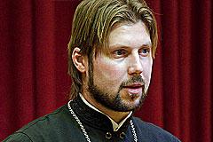Грозовский пока не собирается на родину