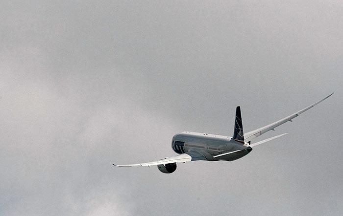 ЕС разрешил использовать гаджеты на борту самолета