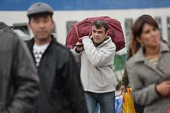 Мигранты тянутся к центру