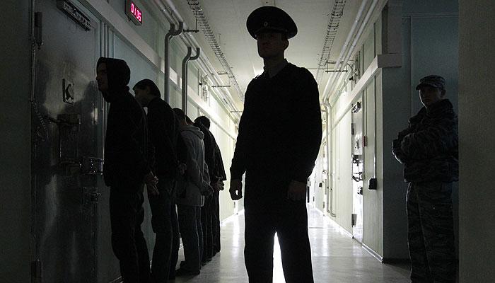 Заключенных в СИЗО пересчитают