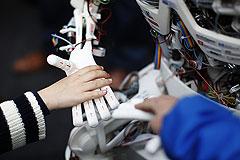 Google делает робота