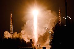"""Ракета-носитель """"Рокот"""" вывела на орбиту военные спутники"""