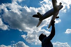 """Операция """"Дешевое небо"""": когда снизятся цены на авиабилеты"""