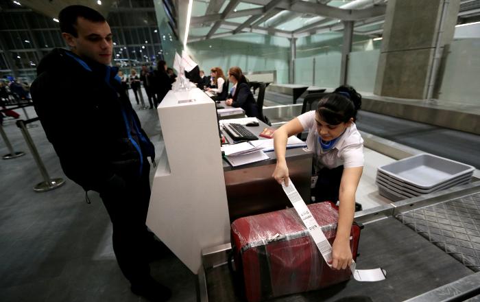 Запрет на провоз жидкостей в ручной клади введен во всех аэропортах