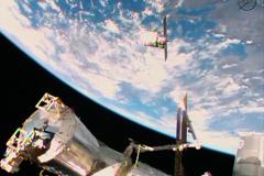 Обломок старой американской ракеты создал угрозу МКС