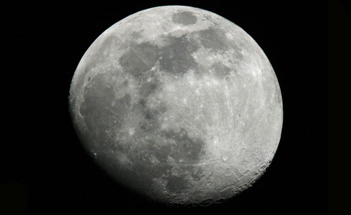 Россия отправит на Луну три космических аппарата