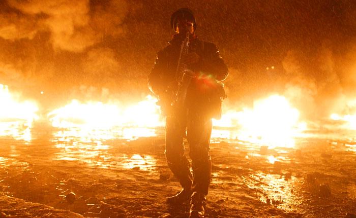 """""""Беркуту"""" не удалось разобрать баррикады в центре Киева"""