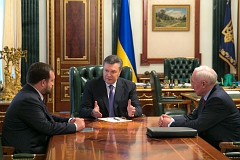Янукович пообещал переформатировать правительство