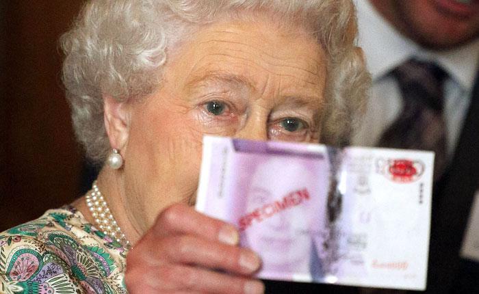 На счетах британской королевской семьи остался миллион фунтов