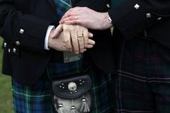 Шотландский парламент легализовал однополые браки