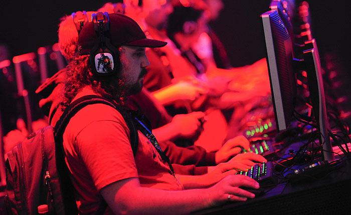 Депутатам Госдумы предложили запретить жестокие компьютерные игры