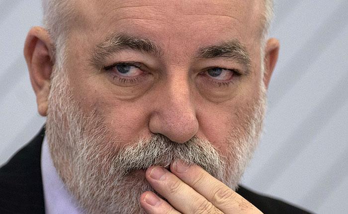 Российский сенатор хочет отсудить у Блаватника и Вексельберга $2 млрд