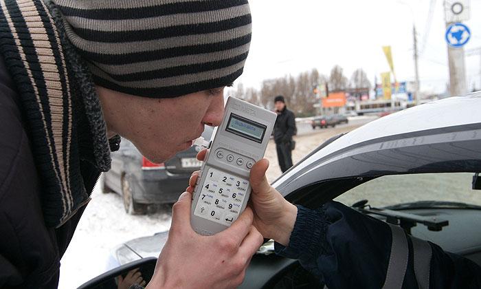 МВД предлагает проверять на алкоголь не только водителей