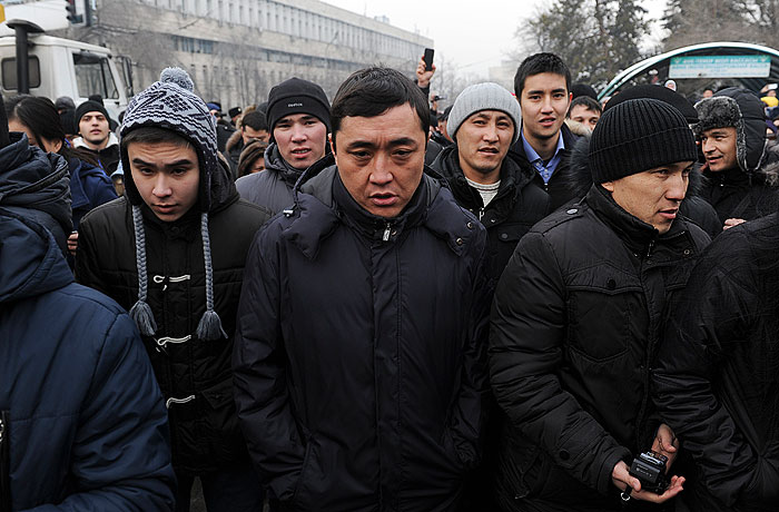 Полиция Алма-Аты разогнала митинг недовольных обвалом национальной валюты