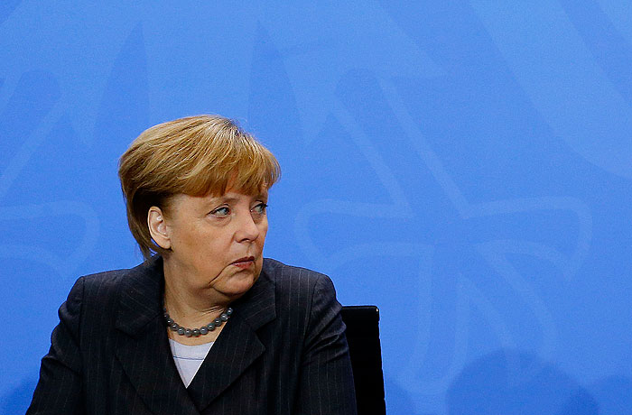 Меркель хочет создать европейскую сеть связи в обход США