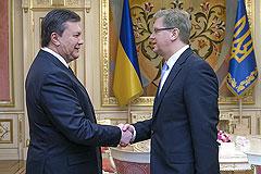 """Россия назвала политику США в отношении Украины """"кукловодством"""""""