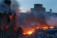 Запад предупредил Януковича об угрозе гражданской войны на Украине