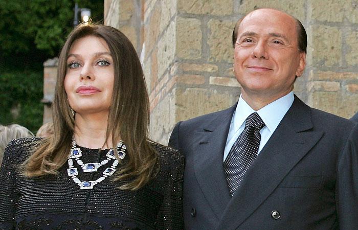 Берлускони развелся со второй женой