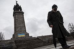 Euronews удалил фотографию раскрашенного памятника советским воинам