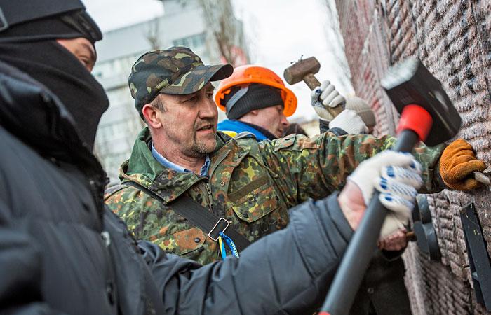 В Львовской области сняли с постамента бюст Кутузова