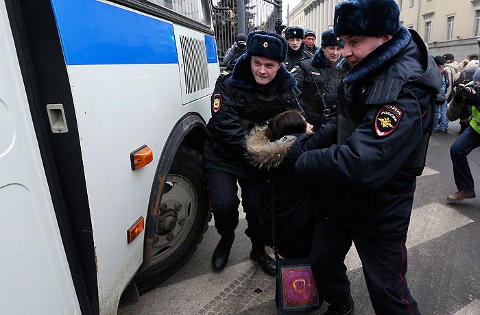 Десятки человек задержаны в ходе антивоенной акции в Москве