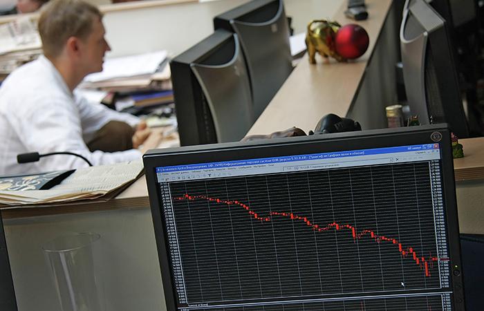 Рынок акций России упал к уровню начала недели на новостях о Крыме