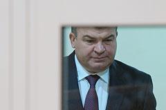 Источник сообщил об амнистировании Сердюкова