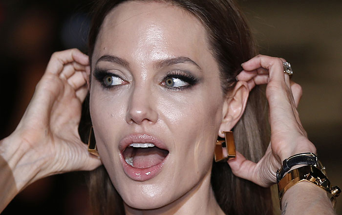 Анджелина Джоли готовится к новым операциям