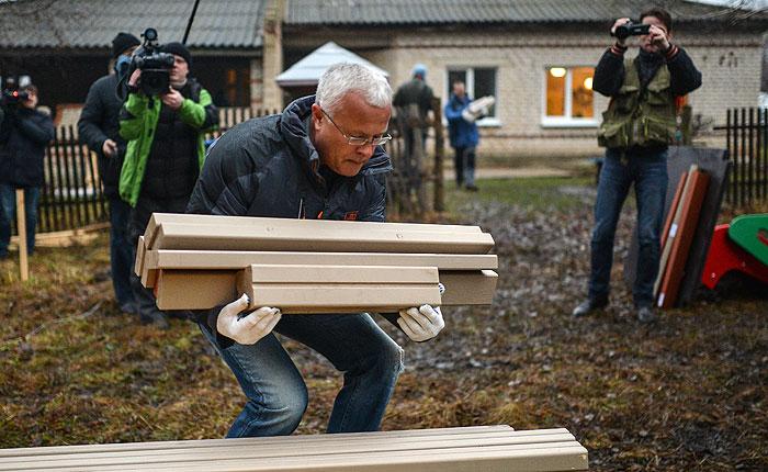 Бизнесмен Лебедев получил справку об освобождении от наказания