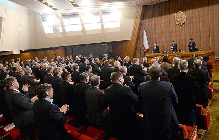 Парламент Крыма попросил о включении полуострова в состав России