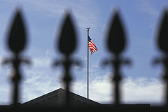 СМИ сообщили о спешной подготовке в США новых санкций против России