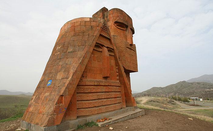 Президент Азербайджана заявил о неизбежном возвращении Нагорного Карабаха